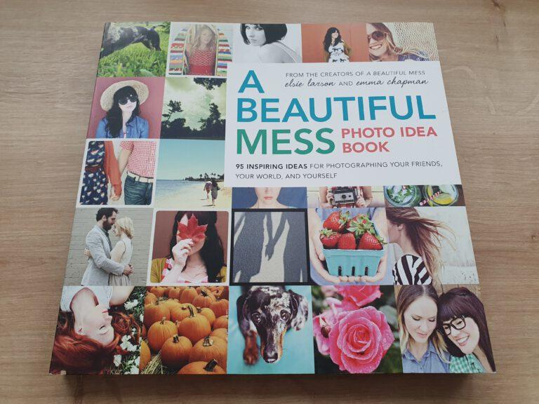 """Das Buch """"A Beautiful Mess Photo Idea Book"""""""