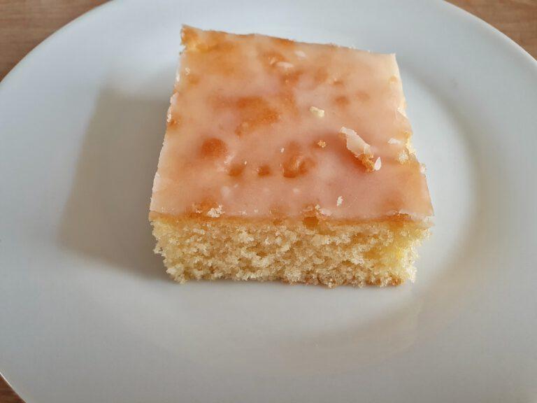 Ein stück Blechkuchen.